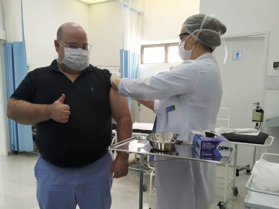 IBRAGESP imuniza contra gripe colaboradores da Policlínica Cruz Preta/Engenho Novo